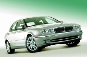 Jaguar X-Type. План: неизвестно. Продано: 121 000 авто за 9 лет
