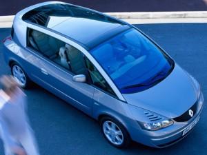 Renault Avantime. План: 1500 в год. Продано: 448 авто за 2 года