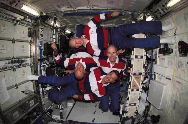 Почти все космонавты переболели космической болезнью