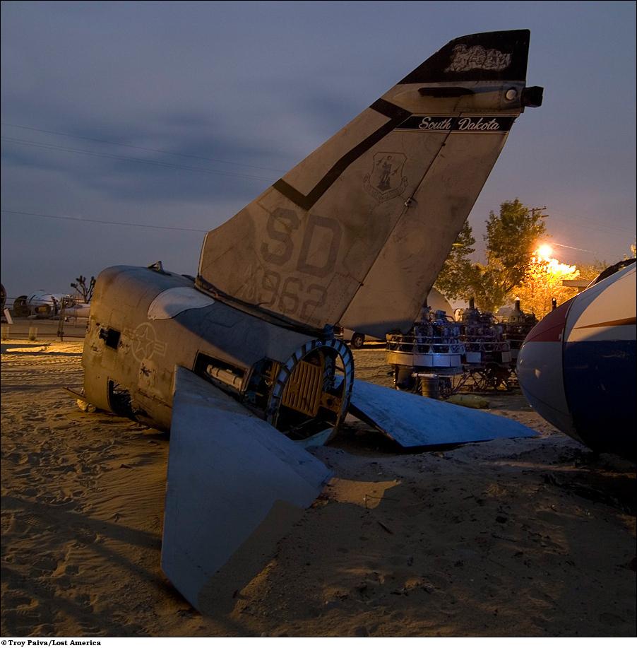 Хвост самолета национальной гвардии A-7 Corsair