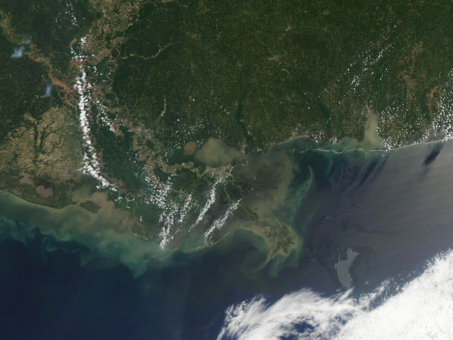 Разлив нефти в мексиканском заливе: снимки из космоса