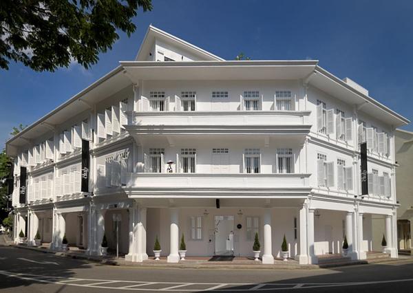 Монохромный отель The Club в Сингапуре