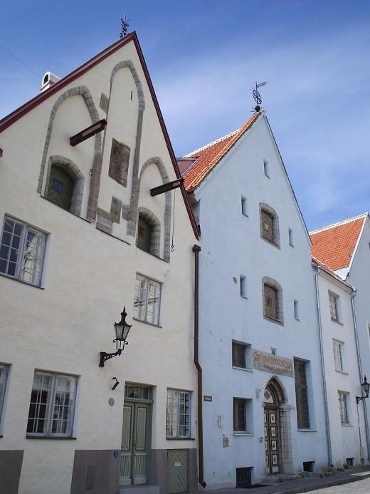 Средневековые жилые дома в Таллине