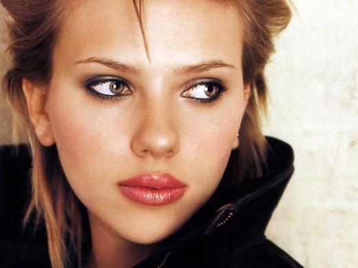 Губы Джоли больше не популярны у клиенток пластических хирургов