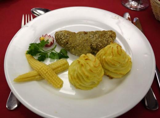 Тельное с гарниром из картофеля