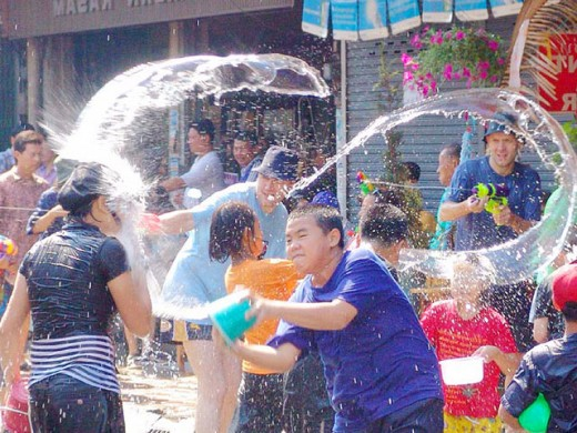 Мокрый карнавал, или Таиланд встречает Новый год