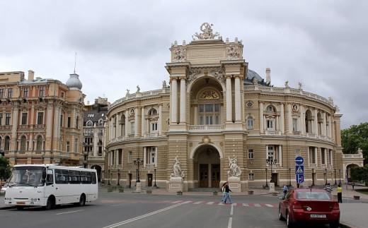 Столица украинского юмора, а «Привоз» - его парламент