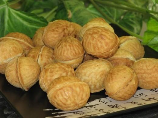 Любимое лакомство: орешки со сгущенным молоком