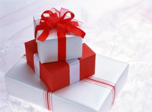 Американцы сдают новогодние подарки в магазины