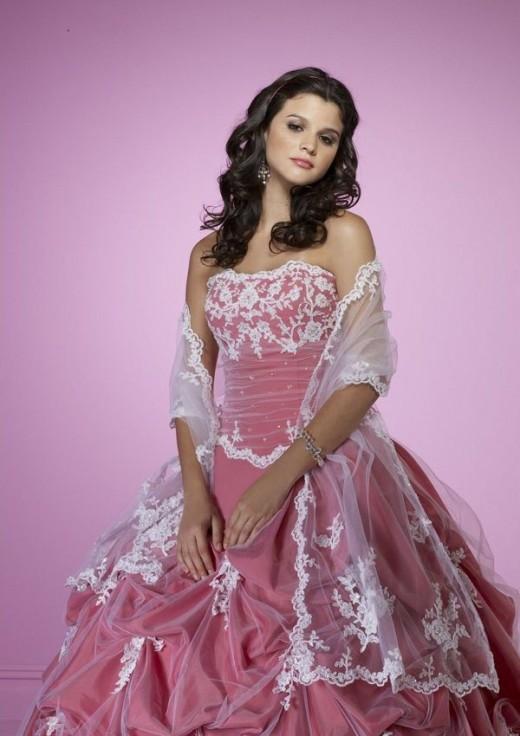 Модные цвета выпускных платьев 2012