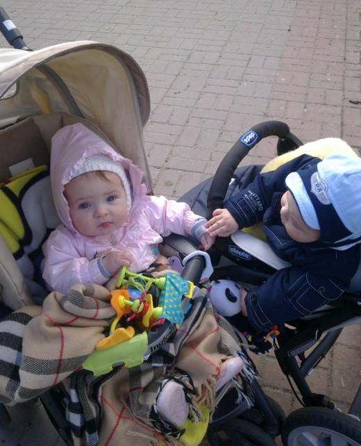 Нужна коляска для малыша? Обратитесь в сеть магазинов Любимые дети