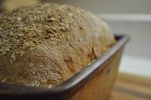 Почему нельзя есть свежий хлеб?