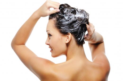 Почему волосы нельзя мыть часто