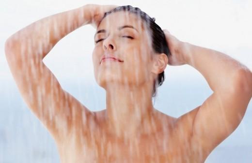 Израильские врачи рекомендуют мыться только два раза в неделю