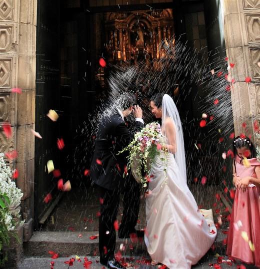 """Перед свадьбой зайди на кладбище!"""" Свадебные поверья и традиции"""