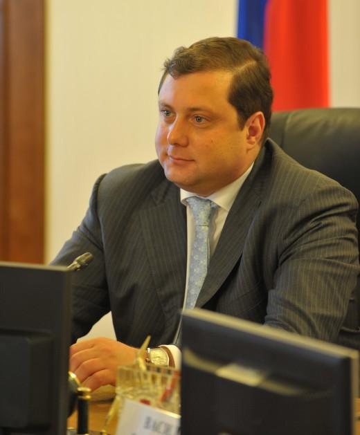 Островского просят прекратить кормить детей кашей с жуками
