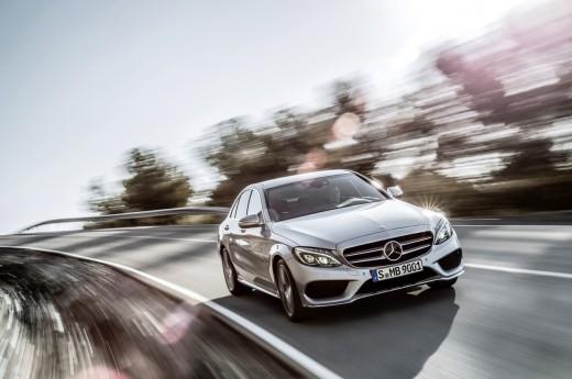 Новинка 2015 Mercedes-Benz уже в продаже