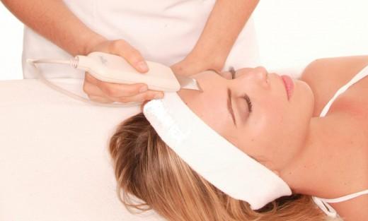 Ультразвуковая чистка лица: преимущества и особенности
