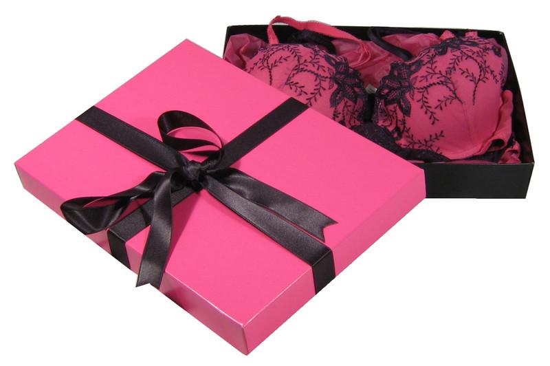как упаковать женское белье в подарок