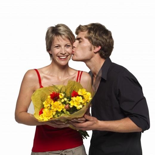 Какие цветы кому дарить?