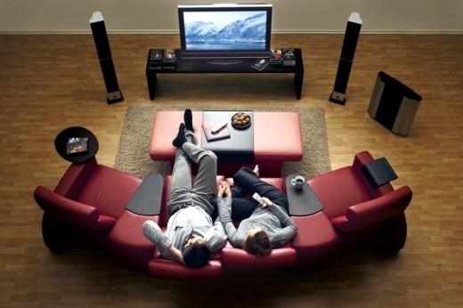 Где посмотреть кино, не выходя из дома?