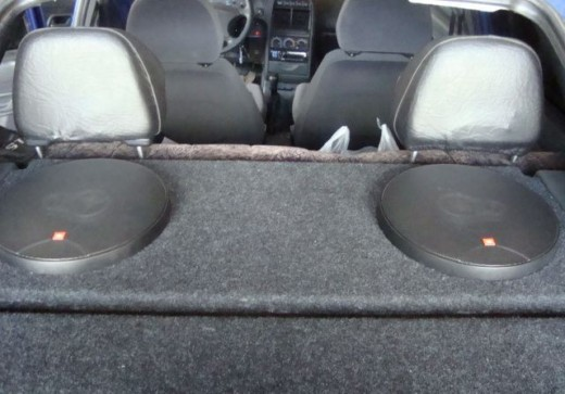 Польза задней полки для автомобиля