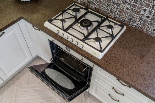 Кухни от «Кухонного двора»: много вариантов, много преимуществ