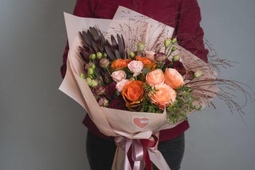 Онлайн доставка букетов на floristum.ru