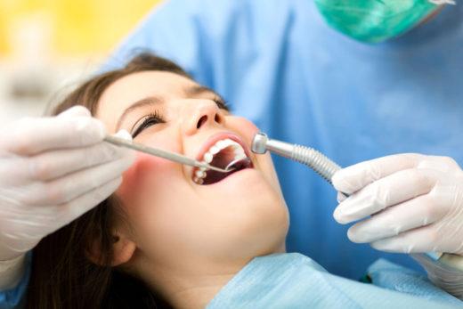 Здоровые зубы поможет иметь стоматология на Оболони