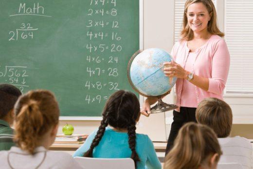 «От звонка до звонка»: Лекторий для родителей «Мела» и Детского центра Музея Москвы расскажут, как удачно выбрать школу