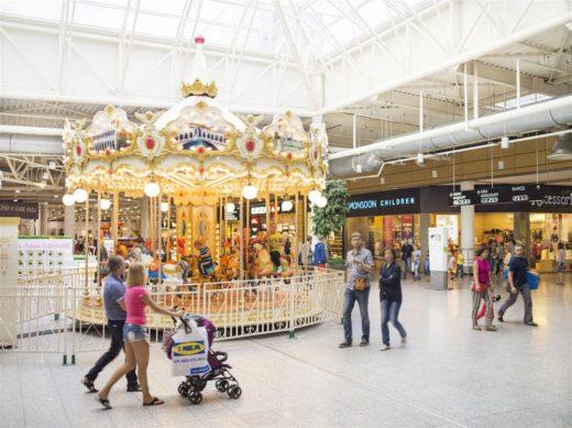 В чем причины популярности торгово-развлекательных центров?