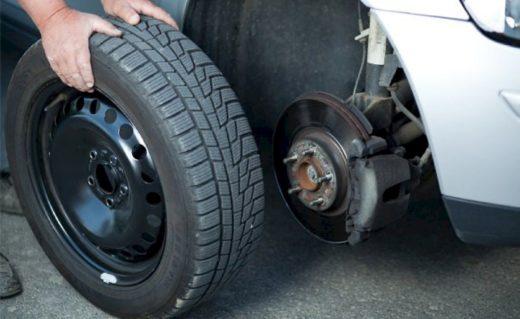 Почему важно своевременно менять шины на автомобиле?