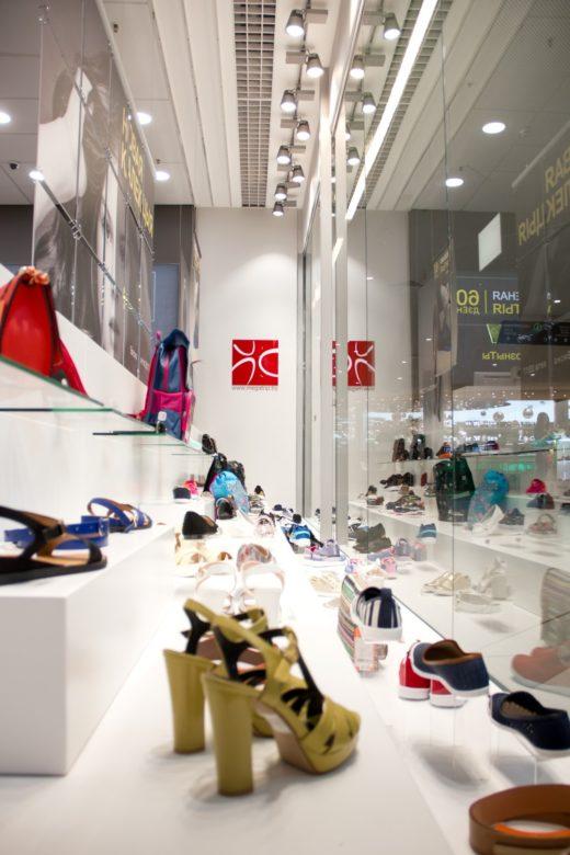 Магазин Мегатоп приглашает за обувью для любого сезона.