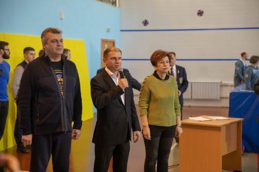 Участников Чемпионата Санкт-Петербурга по пауэрлифтингу среди инвалидов приветствовал Михаил Романов