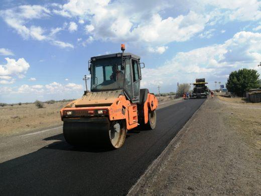 В Астраханской области ремонтируют самый протяженный объект в рамках национального проекта «Безопасные и качественные автомобильные дороги»