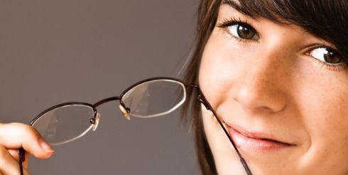 Вы знаете, как улучшить зрение в домашних условиях?