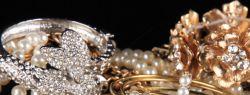 Где наибольший выбор ювелирных украшений?