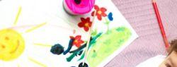 Где можно найти краски для занятий ребенка рисованием?