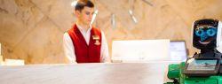 В России робот впервые начал заселять туристов в отель