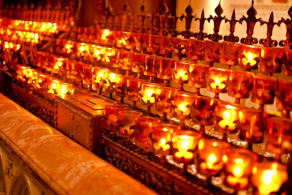 Свечи в нью-йоркской церкви