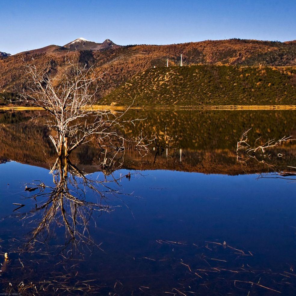 Озеро Шуду, Национальный парк Потатсо, провинция Шангри-Ла