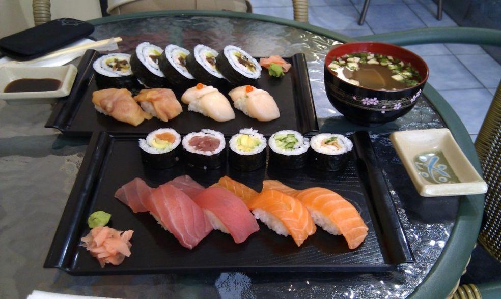 Суши и суп мисо