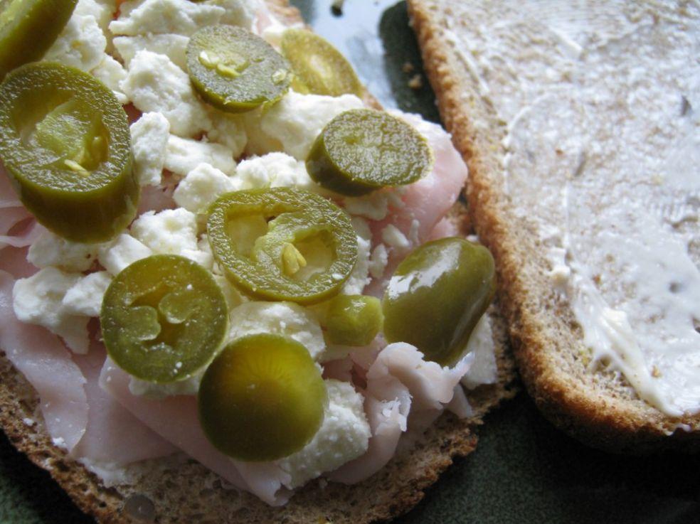 Что кладут в бутерброд