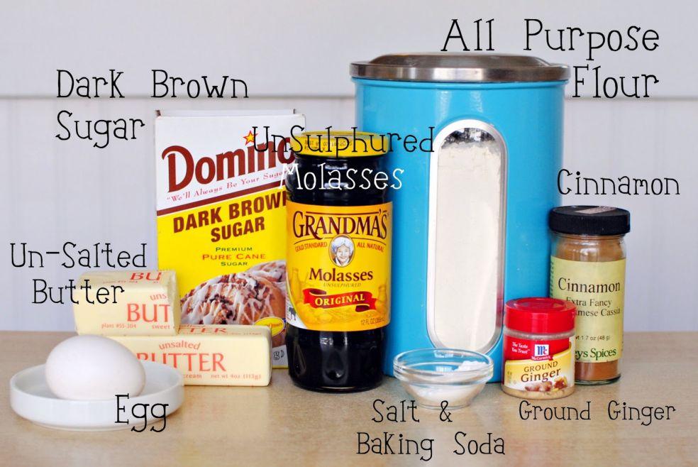 Мука, темный сахар, патока, корица, несоленое сливочное масло, яйцо, соль, пекарский порошок, молотый имбирь