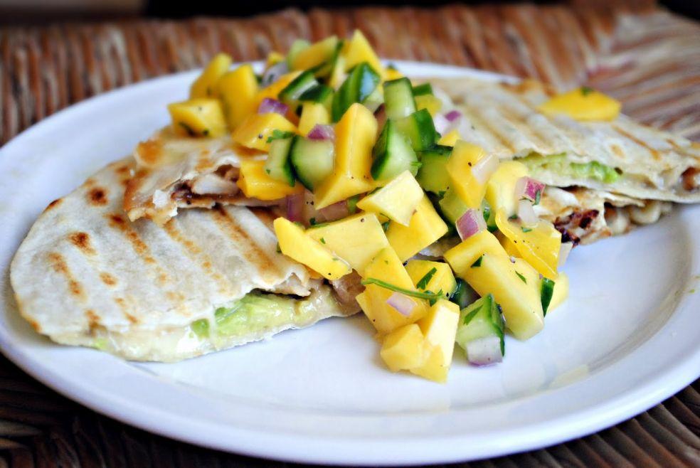 Сальса из манго и огурцов фото-рецепт
