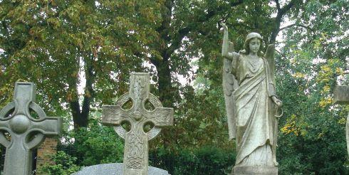 Самые странные похоронные ритуалы