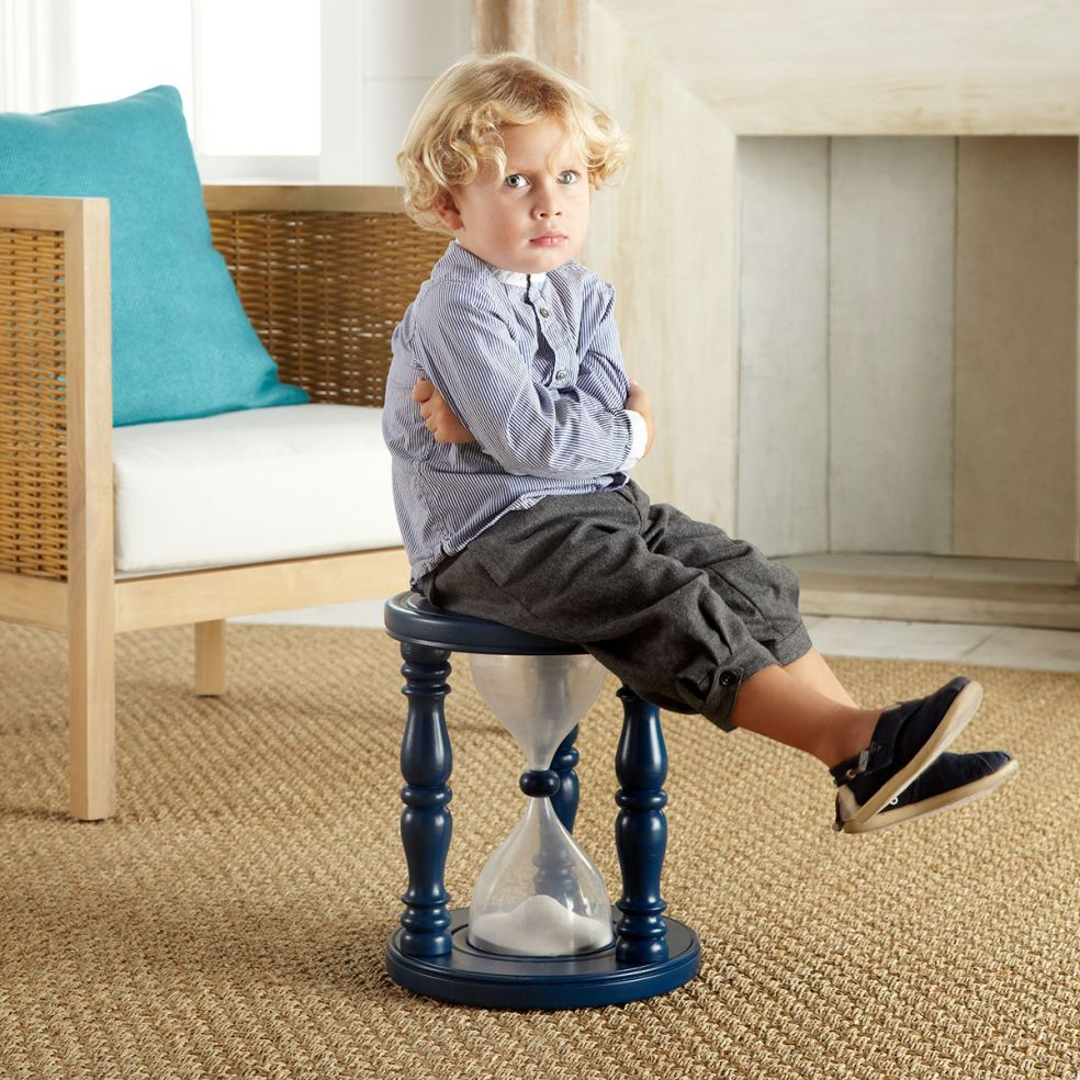 Дети на стульчиках фото